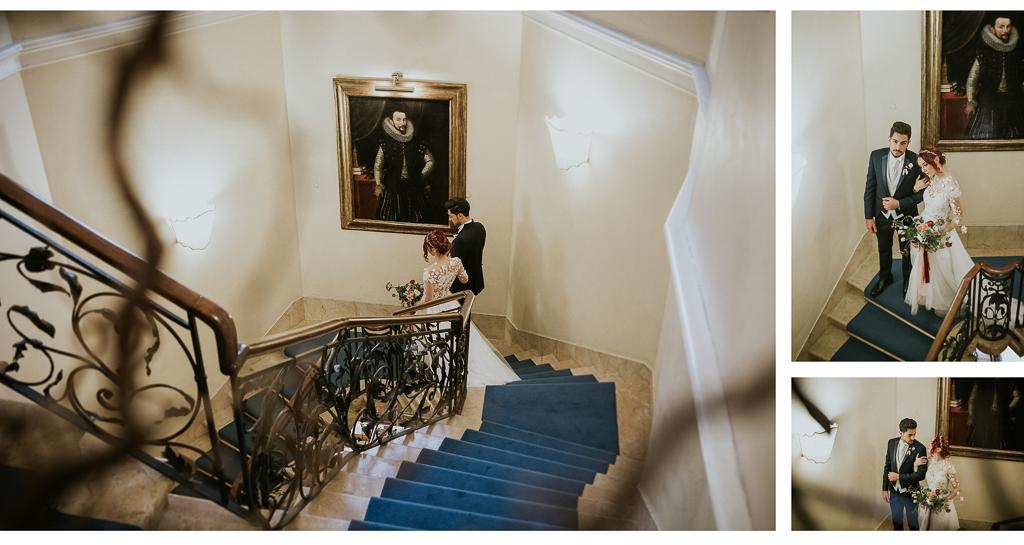 sposi scendono la scala di villa spalletti trivelli