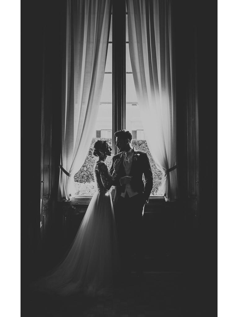 eleganti sposi in villa spalletti trivelli