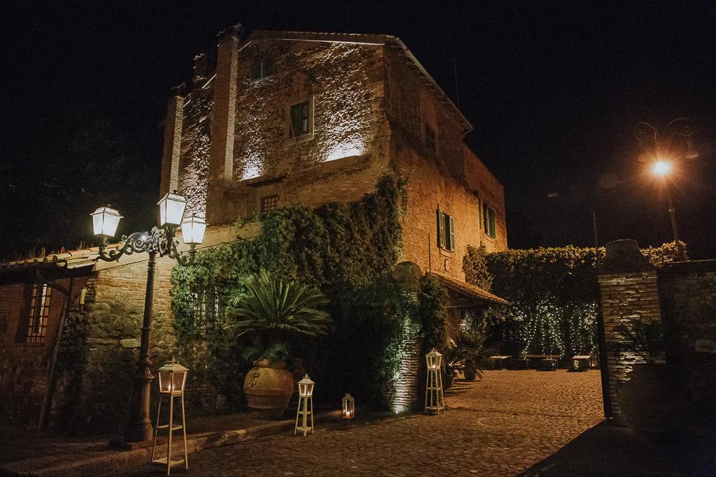 villa grant a roma di sera