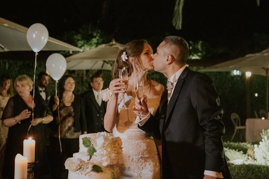 il brindisi degli sposi presso Villa Grant a Roma