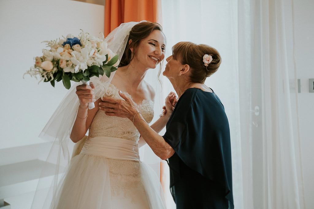 la sposa e la sua mamma il giorno del matrimonio a roma