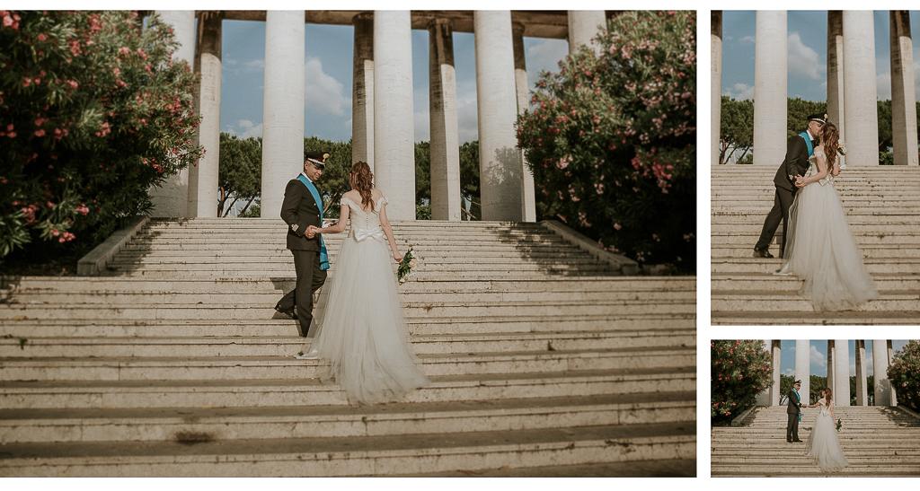 gli sposi salgono la scalinata