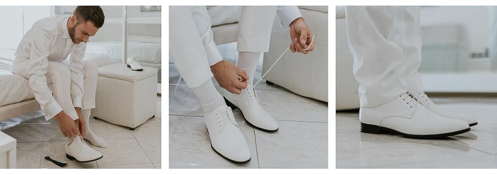 le scarpe bianche dello sposo