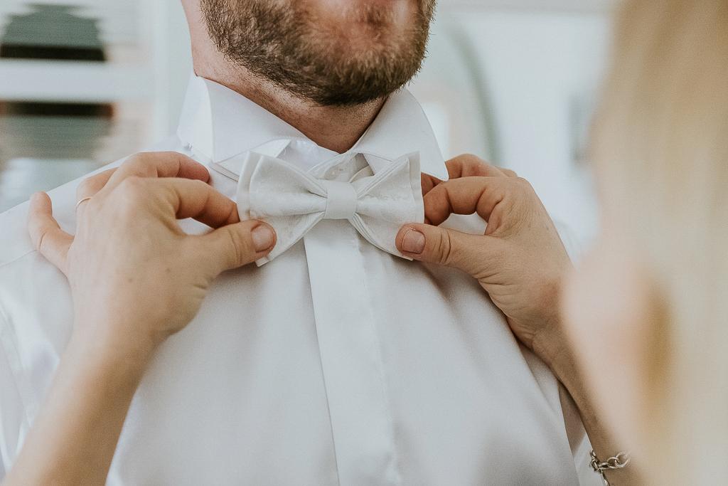 papillon bianco dello sposo