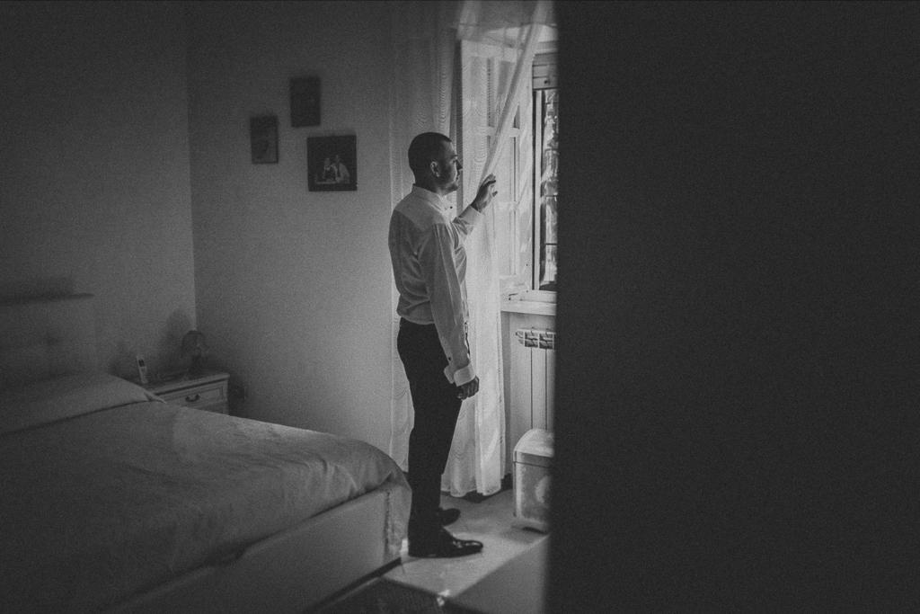 lo sposo nella sua stanza