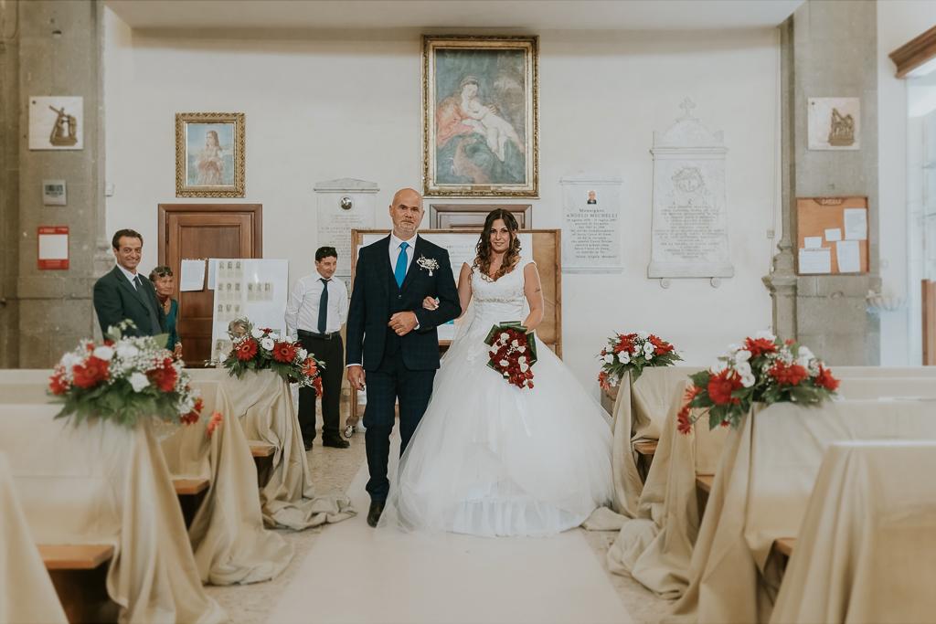 ingresso della sposa in San Lorenzo Martire a formello