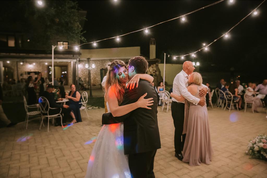 ballo degli sposi del matrimonio presso tenuta agrivillage