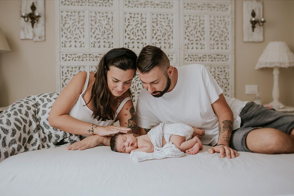 fotografia di famiglia in casa