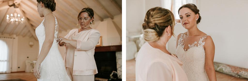 chiusura del vestito della sposa