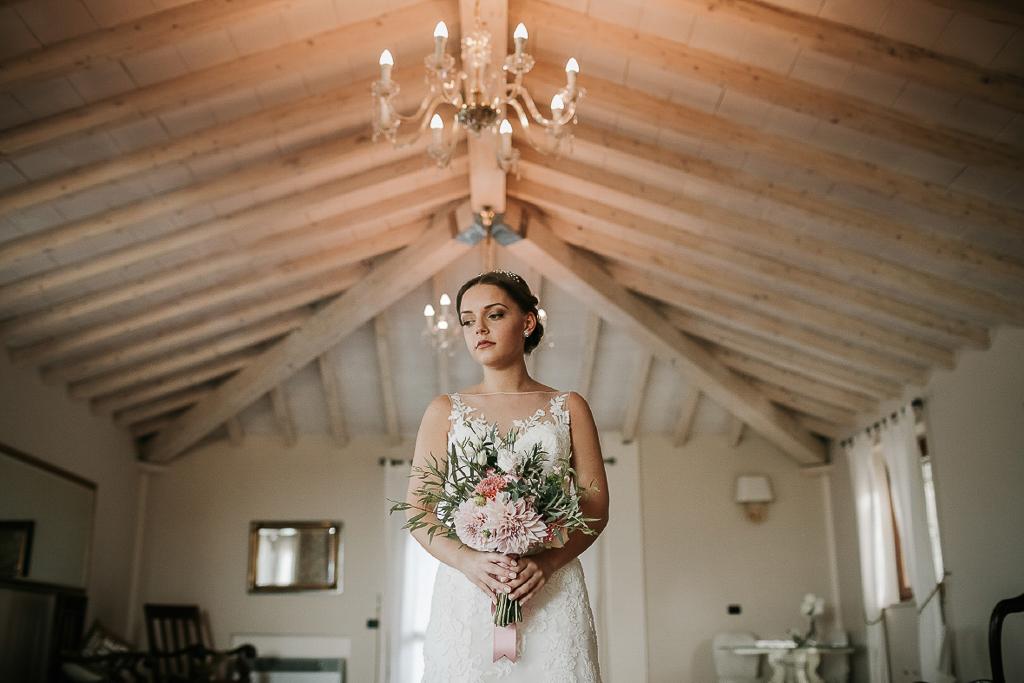 ritratto della sposa prima della cerimonia