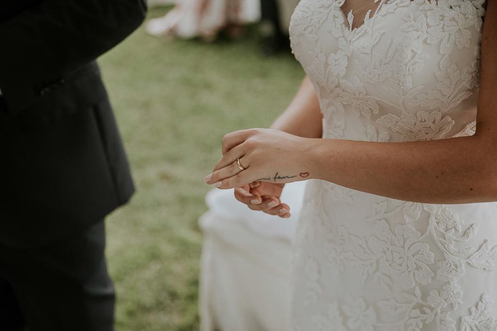 fede nuziale della sposa a roma