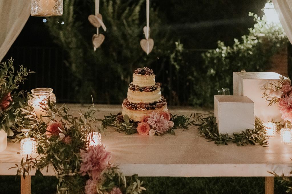 torta di matrimonio in tenuta agrivillage
