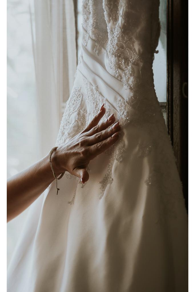 dettagli abito della sposa
