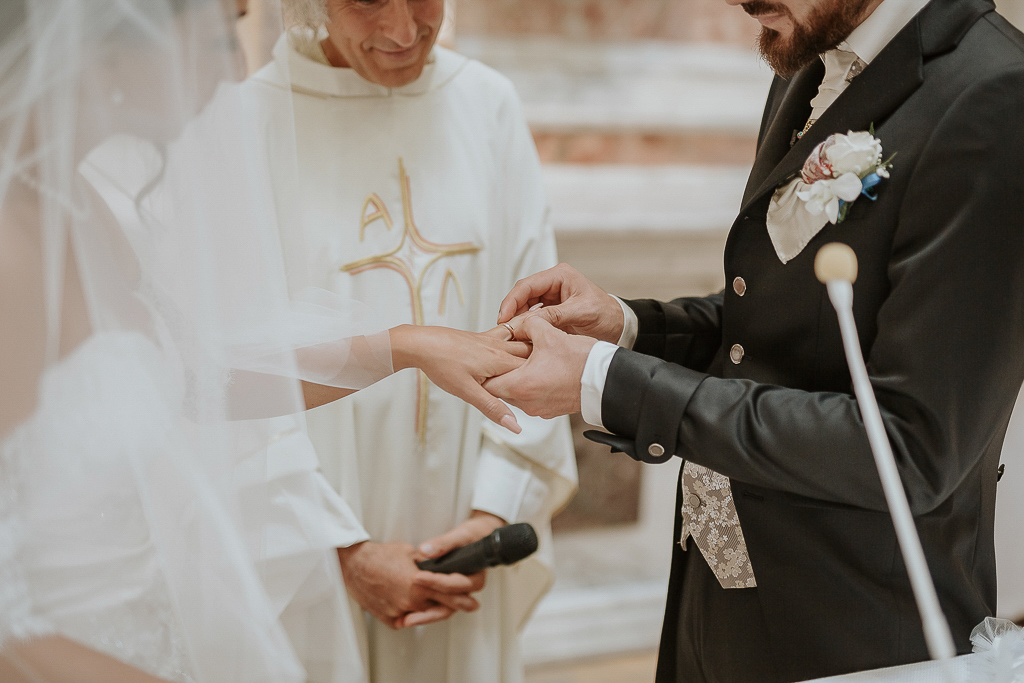 scambio degli anelli matrimonio terracina
