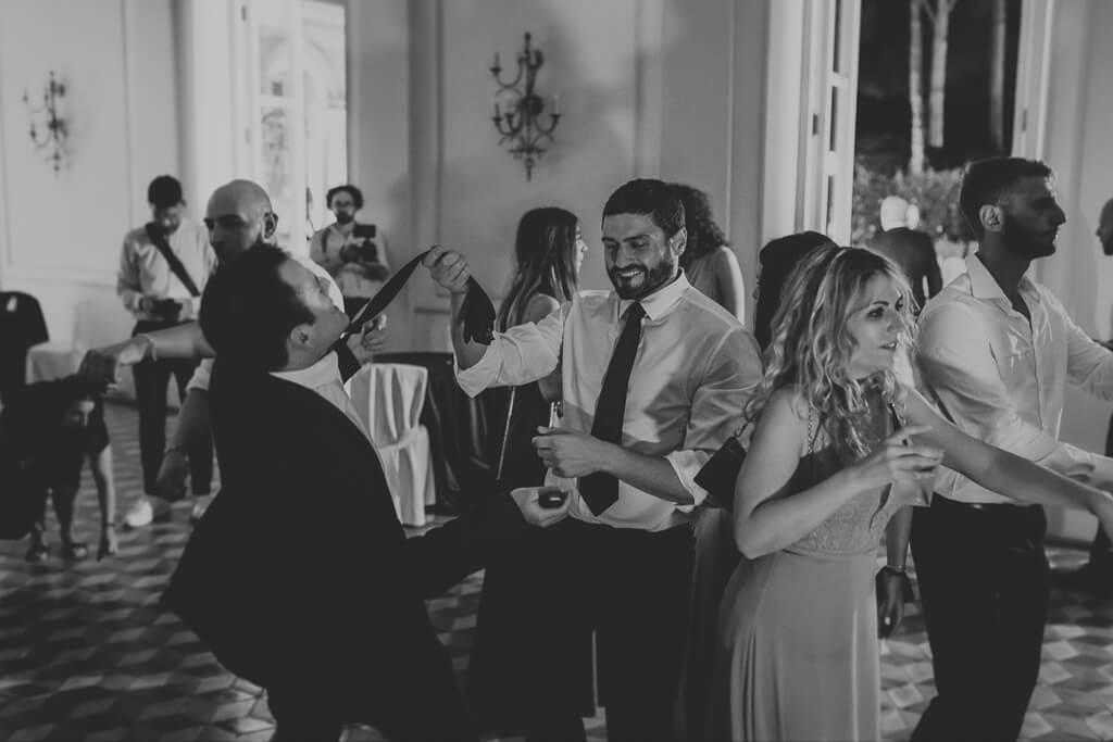 ospiti ballano a villa aurelia