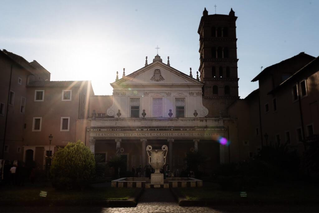 santa cecilia in trastevere al tramonto